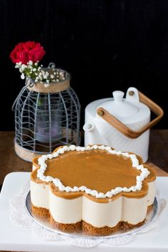 kinuskihyydykekakku Cakes And More, Pie Recipes, Tiramisu, Cheesecake, Food And Drink, Cupcakes, Sweets, Baking, Ethnic Recipes