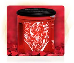 The Folgers AromaSeal® Canister is more than just a great way to keep your favorite Folgers coffee fresh. With the new Can Decorator, you can customize your classic Red Can and turn it into the perfect gift for friends and family. Or, keep your decorative creation for yourself and add an extra bit of beauty to your kitchen—no matter the season!