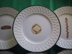 ( pain de campagne, baguette épi, pain de seigle) détails. peint à la main hand painted, French different breads