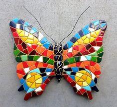 Wanddeco 16 cm vlinder mozaiek - Hat Tutorial and Ideas Butterfly Mosaic, Mosaic Flower Pots, Mosaic Birds, Mosaic Pots, Butterfly Painting, Mosaic Diy, Mosaic Garden, Mosaic Crafts, Mosaic Glass