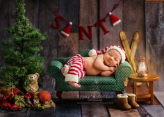 Santas Slumber by tamnelson - Beautiful Babies Photo Contest Baby Christmas Photos, Christmas Portraits, Christmas Mini Sessions, Holiday Pictures, Christmas Minis, Babies First Christmas, Christmas Shots, Santa Christmas, Family Portraits