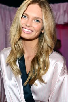 In honor of tonight's Victoria's Secret Fashion Show airing, take a look backstage before the show: