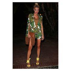 Loved my tropical vibe.... #marbs #Towim #OOTD Suit - @lavishalice Shoes - @zara_worldwide Tee - @newlookfashion @newlookprteam Bag - @officialplt