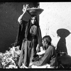 Amazing People, Good People, Taos Pueblo, American Life, Old West, History Books, Native American Indians, Old Photos, North America