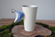 Porzellantasse mit geometrischem blauem Huhn /  china mug with platinum blue chicken by Coco ceramics via DaWanda.com