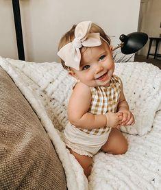 Kenzie Lunt (@kenzie_shayne) • Foto e video di Instagram Little Babies, Cute Babies, Little Girls, Cute Little Baby, Outfits Niños, Baby Outfits, Wanting A Baby, Future Mom, Foto Baby