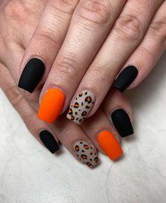 Holloween Nails, Cute Halloween Nails, Halloween Nail Designs, Halloween Acrylic Nails, Cute Nails For Fall, Pretty Halloween, Halloween Halloween, Halloween Nail Decals, Cute Short Nails