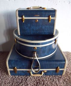 * Samsonite Streamlite in 'Admiral Blue' color : Train Case, Hatbox and Ladies' Wardrobe