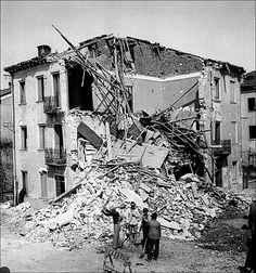 """Vicenza sotto le bombe - Dal dicembre 1943 fino all'ultimo giorno di guerra Vicenza e le città e paesi del vicentino sperimenteranno la """"criminalità aerea Alleata"""""""
