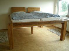 """Ein Bett zum """"Aus-dem-Fenster-gucken"""", auch bei nicht bodentiefen Fenstern. Betten nach Maß."""