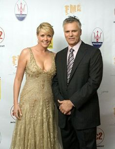 Amanda Tapping (Samantha Carter)and Richard Dean Anderson (Jak O'Neill) Amanda Tapping, Stargate Ships, Stargate Atlantis, Macgyver Richard Dean Anderson, Best Sci Fi Shows, Stargate Universe, Fantasy Tv, Canadian Actresses, Thing 1