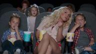 Esta es la primera vez que Britney actuará con sus hijos en uno de sus videos musicales. Sin embargo, cuando estaba embarazada también había grabado u
