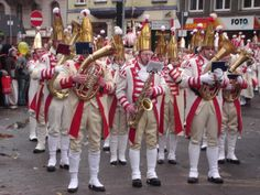 Funken (In olden times municipal soldiers, now important part of carnival)