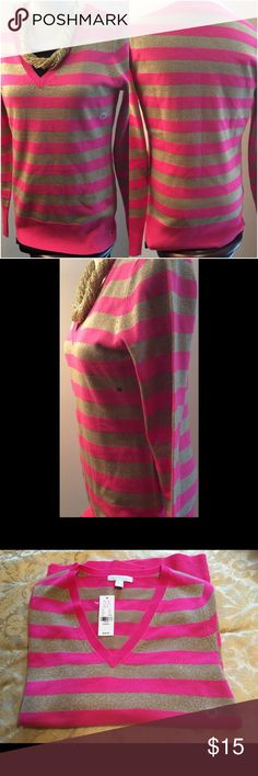 NY&C Sweater NWT NY & Co gold and fuchsia color knit sweater. New York & Company Sweaters Crew & Scoop Necks