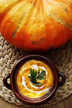 Kulinarne Inspiracje: Aksamitna i gęsta zupa krem z dyni - przepyszna! Thai Red Curry, Cantaloupe, Nom Nom, Food And Drink, Fruit, Cooking, Ethnic Recipes, Recipies, Kitchen