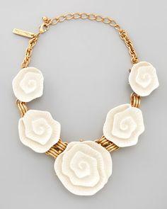 Oscar de la Renta  Resin Flower Necklace