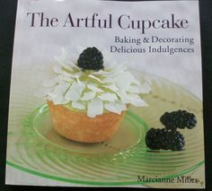 The Artful Cupcake 2004 PB (9714-1094) cookbook, food decorating, basic cooking $2.75