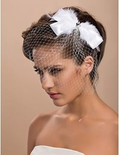 Gorgeous Tulle Wedding Bridal With Feather And Rhinestone Headpiece New Bridal Hairstyle, Short Bridal Hair, Bride Hairstyles, Headband Hairstyles, Hairstyle Ideas, Headband Veil, Wedding Headband, Tulle Wedding, Wedding Veils