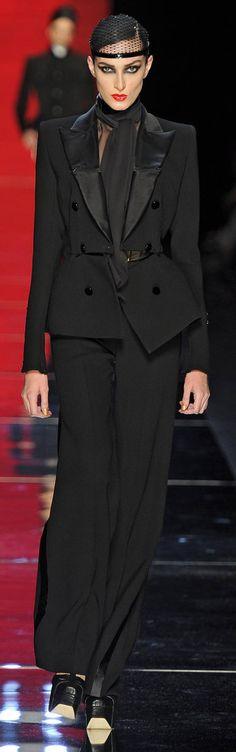 ✜ Jean Paul Gaultier Winter 2012 Paris ✜ http://www.fashionologie.com/Jean-Paul-Gaultier-Couture-Fall-2012-23862264?page=0,0,0#0