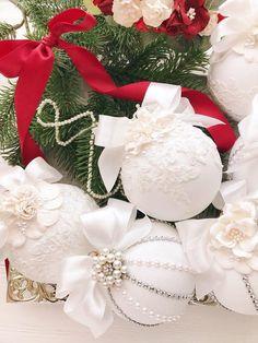Christmas Ornaments Handmade Unique Christmas Ornaments Set White Christmas Tree Vintage Christmas S Shabby Chic Christmas Ornaments, White Christmas Trees, Gold Christmas Decorations, Christmas Ornaments To Make, Handmade Ornaments, Christmas Crafts, Holiday Decor, Christmas Mantels, Vintage Ornaments