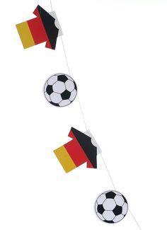 Fussball-Trikotkette. Dezent eingesetzt sorgen sie für sportliches Flair.