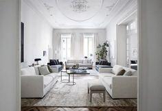 Ce magnifique salon haut de gamme sophistiqué et aux couleurs très pures dégage une ambiance apaisante.© Meridiani