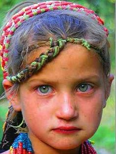 ( - p.mc.n.) In the mountains of Pakistan, 6,000 people live who look / sound different from their neighbors.They claim to have lived in the area for thousands of years; they look European. Many of the Kalash are blond haired and blue eyed, an anomaly in Pakistan! Some believe that they are descendants of Alexander the Great's army though their true ethnic origins are still unproven. DNA testing has not produced a connection to Greeks, yet it also showed no East or South Asian lineages…