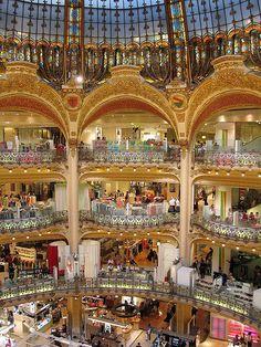 Galeries Lafayette, balconies and lower floor - Paris, Galerie Lafayette