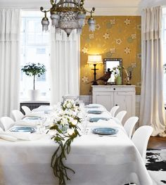 tablescape & wallpaper!
