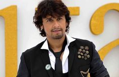 Sonu Nigam reacts HARSHLY to Jet Airways' action to suspend 5 crew members! #SonuNigam