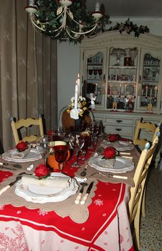 ... Table Settings, Tables, Table Decorations, Furniture, Home Decor, Homemade Home Decor, Mesas, Decoration Home, Table