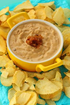 This fabulously creamy, textured dip is super easy to make, rich in flavor and simply divine with chips! Vegan Party Food, Healthy Vegan Snacks, Vegan Appetizers, Vegan Foods, Vegan Dishes, Vegan Meals, Vegan Dinner Recipes, Delicious Vegan Recipes, Whole Food Recipes