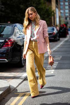 The Best Street Style Looks From London Fashion Week Spring 2019 - Fashionista Modern Street Style, Look Street Style, Street Style Trends, Street Style Summer, Cool Street Fashion, Look Fashion, Korean Fashion, Fashion Mode, Womens Fashion