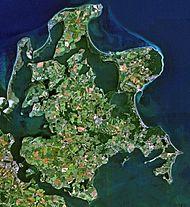 Deutschland – Die größte deutsche Insel, Rügen, liegt in Vorpommern in der Ostsee. Westlich davon liegt die Insel Hiddensee.
