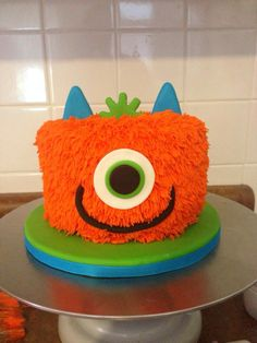 L's first birthday monster smash cake!