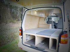 Survival camping tips Bus Vw, Vw Camper, Vw T5 Interior, Campervan Interior, T5 Transporter, Volkswagen Transporter, Vw T4, Astuces Camping-car, Camper Furniture