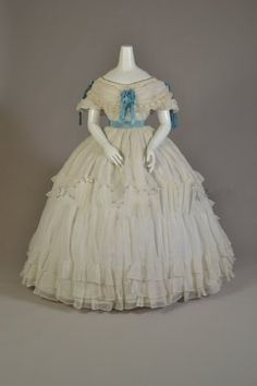 Gown 1869, French, Made of cotton and silk taffeta
