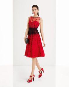 Vestido de tul y pedreria disponible en, negro y rojo/negro.