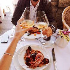 Vinho branco + frutos do mar! <3