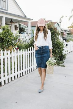 Here are some different denim dress setup inspiring ideas for you. Skirt Outfits Modest, Denim Skirt Outfits, Basic Outfits, Denim Overalls, Simple Outfits, Casual Outfits, Cute Outfits, Summer Outfits, Work Outfits