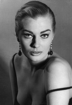 Swedish actress Anita Ekberg, with one strap of her gown hanging over her should. - Swedish actress Anita Ekberg, with one strap of her gown hanging over her shoulder. She wears her h - Vintage Hollywood, Hollywood Glamour, Hollywood Stars, Hollywood Actresses, Classic Hollywood, Anita Ekberg, Gypsy Rose Lee, Divas, Swedish Actresses