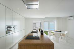 Galeria de Apartamento Costa Nova / GAVINHO Architecture & Interiors - 3