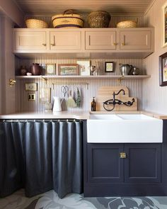"Rejuvenation on Instagram: ""We couldn't choose just one view of this scullery designed by @studiolaloc - swipe through to see why! Tap the photo to shop our shelf…"" Decorating Above Kitchen Cabinets, Kitchen Post, Room Kitchen, Kitchen Corner, Kitchen Redo, Nate Berkus, Layout, Cheap Home Decor, Decoration"