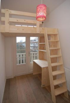 Stoere hoogslaper / videbed met bureau en boekenkast eronder Tough loft bed / video bed with desk an Loft Room, Bedroom Loft, Bedroom Decor, Bedroom Ideas, Kids Bedroom Designs, Bedroom Curtains, Small Apartments, Small Spaces, Maximize Small Space