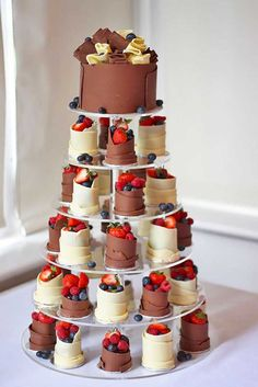 18 Chocolate Wedding Cupcake Ideas You Must See ❤ You could surprise you guests with a delicious chocolate wedding cupcake! See more: http://www.weddingforward.com/chocolate-wedding-cupcake/ #weddings #cupcake