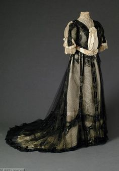 1900-1905 Victorian/Edwardian dress with tulle, silk, satin, embroidered beadwork, machine made lace. Designer: Rouff. Made in Paris, France. B215/1AB. Source Antwerp Fashion Museum (Mode Museum)