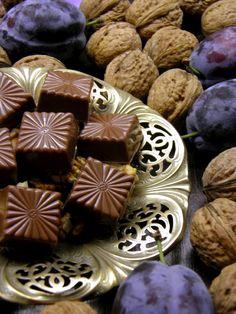 Blog, amely házi készítésű bonbon és csokoládé recepteket tartalmaz. Ketogenic Recipes, Ketogenic Diet, Diet Recipes, Vegan Recipes, Keto Results, Custom Chocolate, Macaron, Keto Dinner, Fondant
