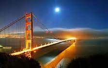 22 - Pronto llega la historia al pueblo de Martínez, pequeña comunidad de la bahía de San Francisco, sus hábiles habitantes reivindicarían la paternidad del combinado y todos los años en primavera celebran festejos en honor de su Dry Martini.