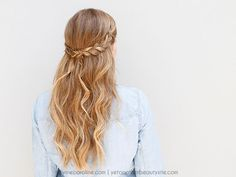 This boho braided hairstyle fits in well with your down-to-earth summer style. Check out this tutorial to learn how to get the perfect relaxed wave and braided headband combo.