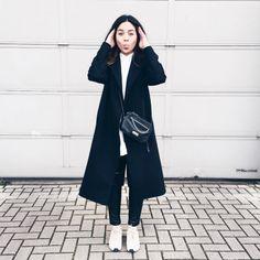 Justine   eatsleepdress.com wearing Warm-Ups #meyba #meybabarcelona #blogger #summer